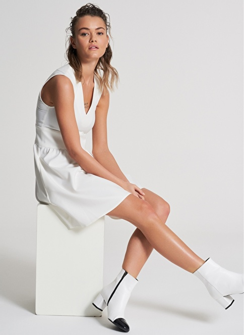 Pi π Beli Büzgü Detaylı Elbise Beyaz